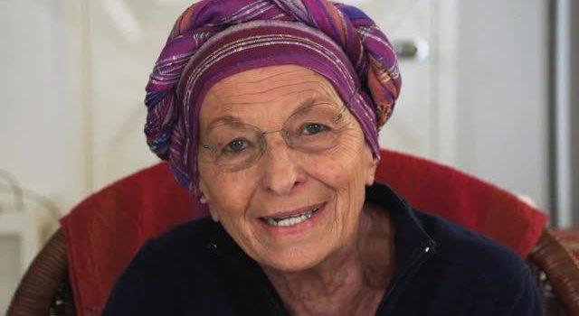 Emma Bonino del bilderbergh si permette lezioni sulla UE.