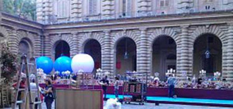 Firenze: l'addio al celibato invade Palazzo Pitti.