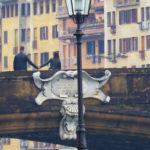 Tenerezze sul Ponte Santa Trinita.