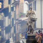 Firenze, Ponte Santa Trinita particolare.