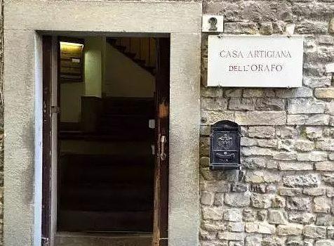 La Casa Artigiana dell'Orafo. …la passione e l'amore per gli antichi mestieri fiorentini.