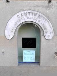 """Le Buchette del Vino ovvero il vino """"alla finestra""""."""