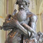 La scultura monumentale di Sileno con Bacco fanciullo di Jacopo del Duca.
