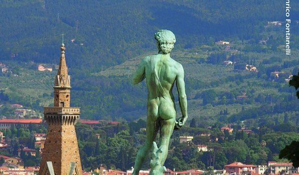 Il David osserva dall'alto Firenze.