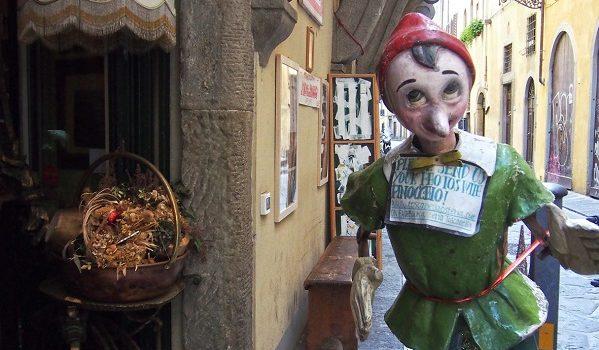 Via Toscanella.