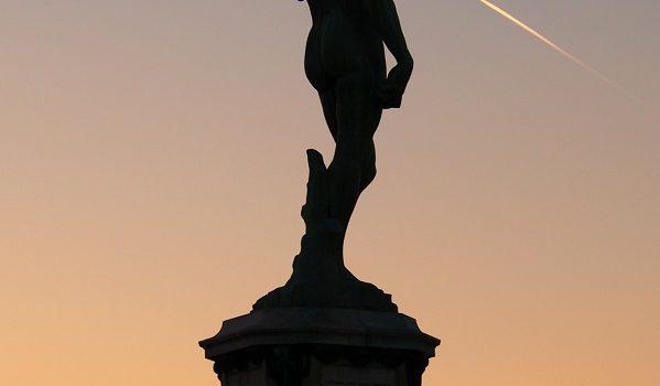 Tramonto estivo sul David di Michelangelo.