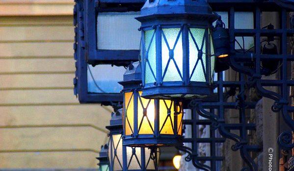 Le lanterne del Cinema Odeon.