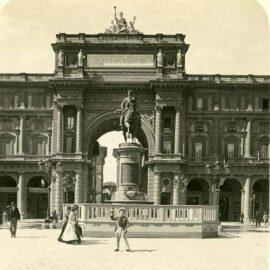 La statua del Re