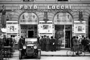 Foto Locchi in piazza della Repubblica epubblica
