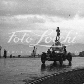 La città in movimento: la vita di Firenze nelle immagini dell' Archivio Storico Foto Locchi